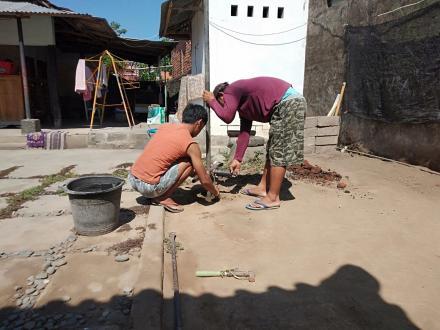 Lanjutan Kegiatan Pembuatan Lubang Biopori di Banjar Dinas Tegal dan Banjar Dinas Sema Desa Sangsit