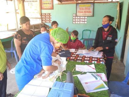 Kegiatan Posyandu di Tegal Menasa Banjar Dinas Tegal Desa Sangsit.