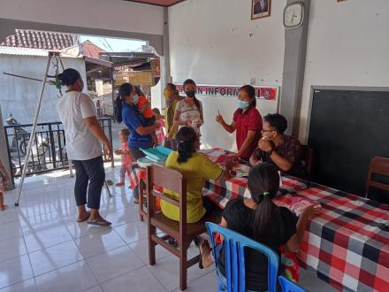 Kegiatan Posyandu di Banjar Dinas Beji Desa Sangsit
